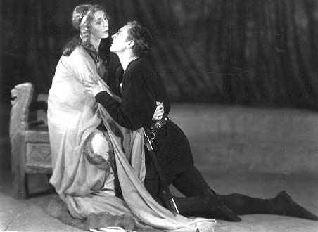 Hamlet and Gertrude (Blanche Yurka), 1922 - the angels ...